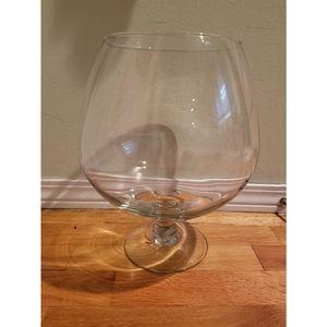 Glass pedestial fishbowl